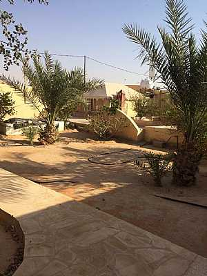 10 bedrooms 4 baths 5000 sqm For Sale Al Muzahimiyah Ar Riyad - 9