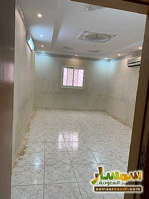 Ad Photo: Apartment 5 bedrooms 3 baths 210 sqm in Saudi Arabia
