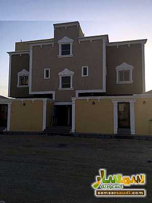 Ad Photo: Commercial 4 bedrooms 3 baths 200 sqm super lux in Ad Dammam  Ash Sharqiyah