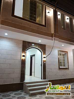Villa 9 bedrooms 7 baths 300 sqm extra super lux For Sale Jeddah Makkah - 1