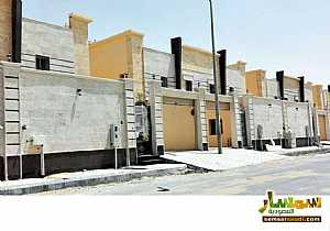 Ad Photo: Villa 5 bedrooms 5 baths 300 sqm extra super lux in Ad Dammam  Ash Sharqiyah